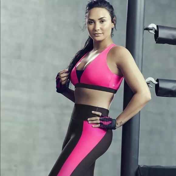 94eb1fa83a FABLETICS Demi Lovato Linnea Sports Bra Size M NWT